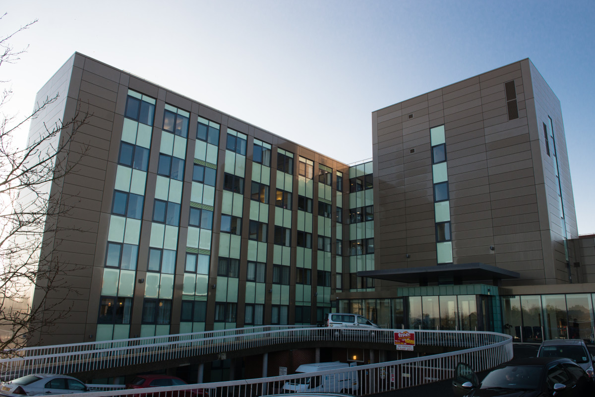 Dungannon Hospital - Omagh Aluminium Systems